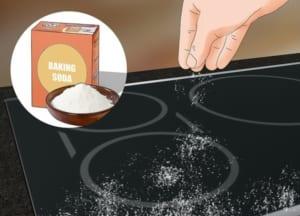 Xử lí vết xước của bếp từ bằng baking soda