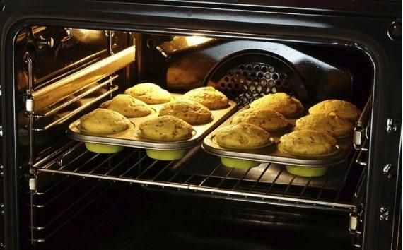 Tự tay làm nhứng chiếc bánh Homemade bàng lò nướng tại nhà.